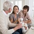 Жить вместе с родителями — значит спасти их от депрессии…